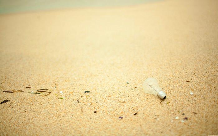 mnml_beach_bulbsmall.5QKsoazeRBhR.jpg