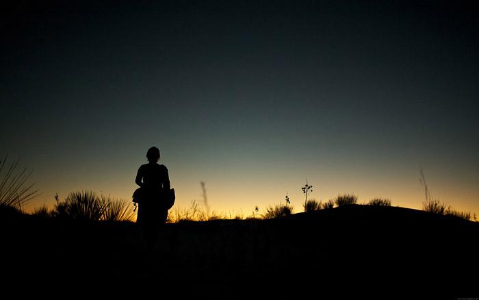 silhouette_dune_desktopsmaller.jpg