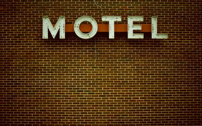 motelsmaller.jpg